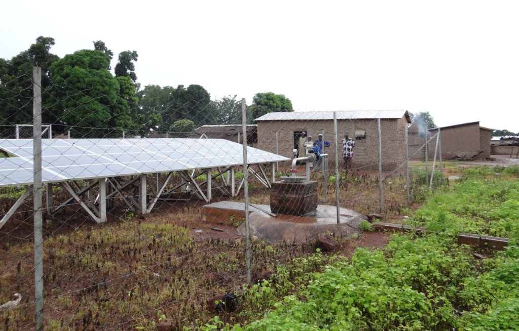 Solar collector for electrical needs. Lofine, Mali