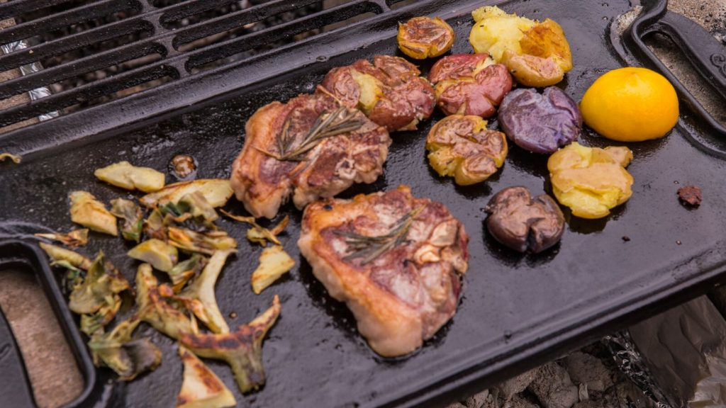 Lamb Chops Grilled with Vegetables