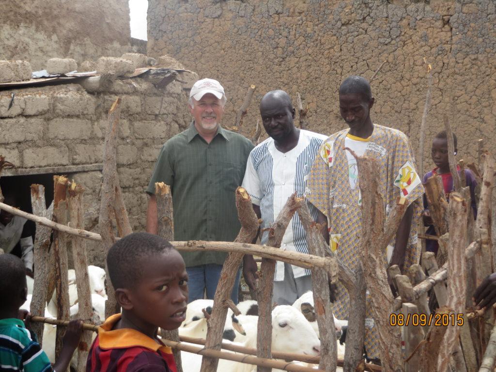 Professor Andres Cibils, Bogouni Diarra and sheep owner