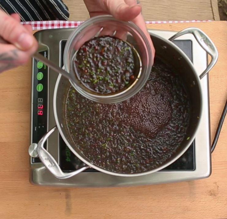 Preparation lamb riblet barbecue sauce