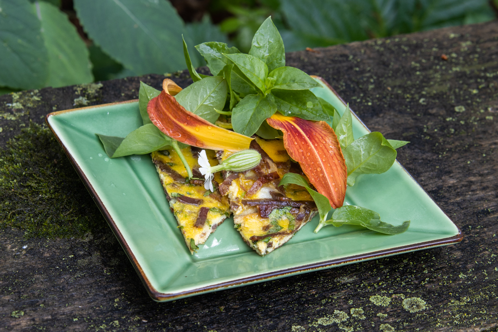 Mutton Pastirma omelet with mint and chickweed salad